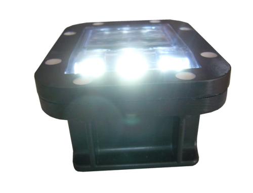 Plot Solaire à LED R18